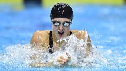 Imogen Clark warms up for ISL by defending Winter Championships crown