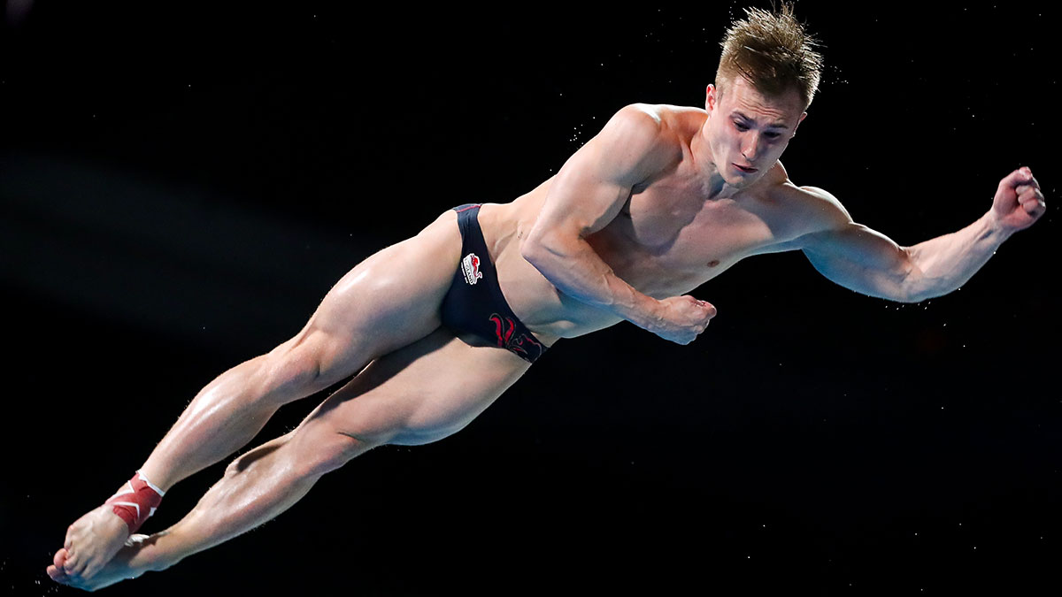 Jack Laugher competes at the 2018 Commonwealth Games with a heavily-strapped ankle