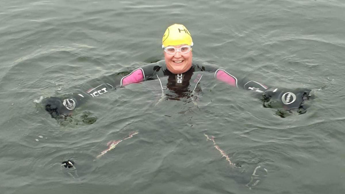 Sophie Allen in open water