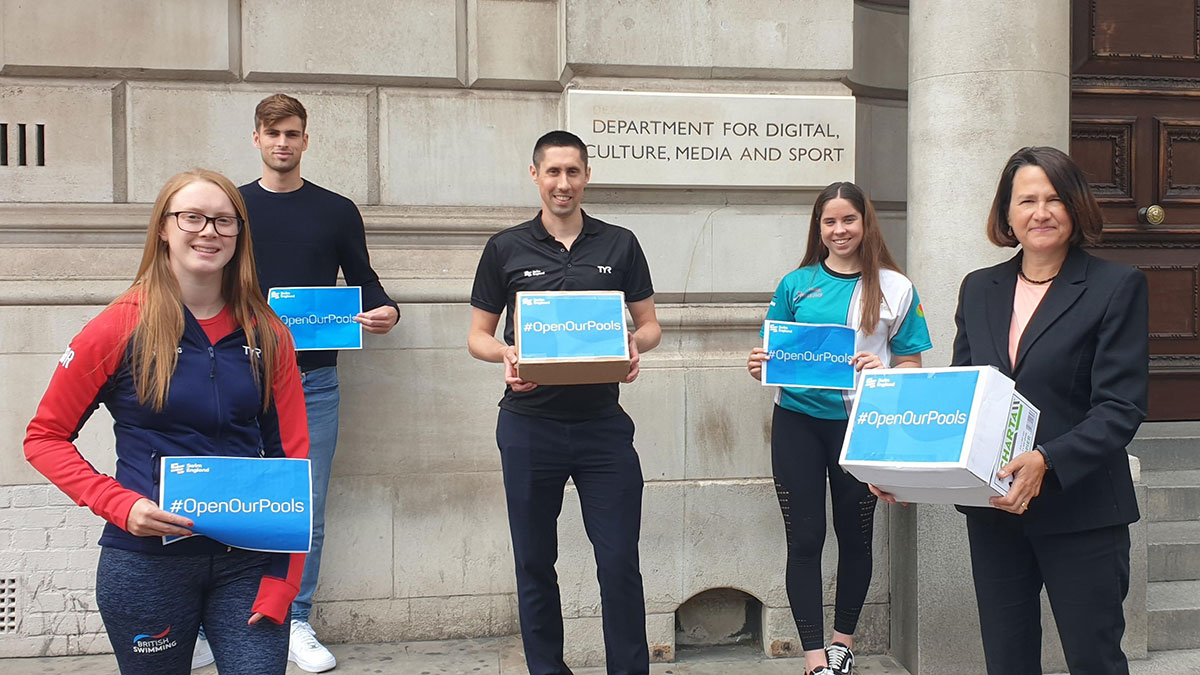 Phil Brownlie, Catherine West MP, Elliot McHugh, Brock Whiston and Cara O'Toole outside DCMS building