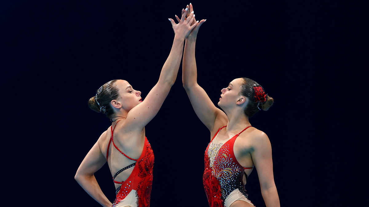 Kate Shortman and Isabelle Thorpe ahead of their duet free routine at the Tokyo 2020 Olympics.