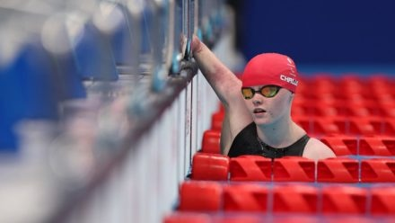 Ellie Challis sets new Paralympic record as seven Brits reach finals from hectic heats