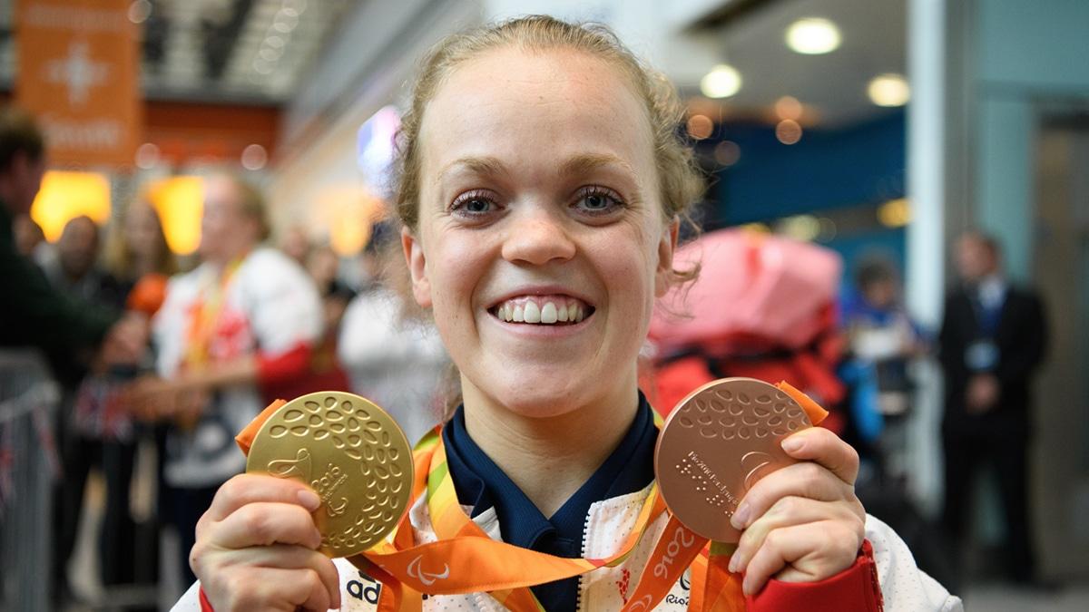 Paralympic champion Ellie Simmonds announces her retirement